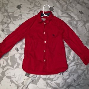 H&M red shirt